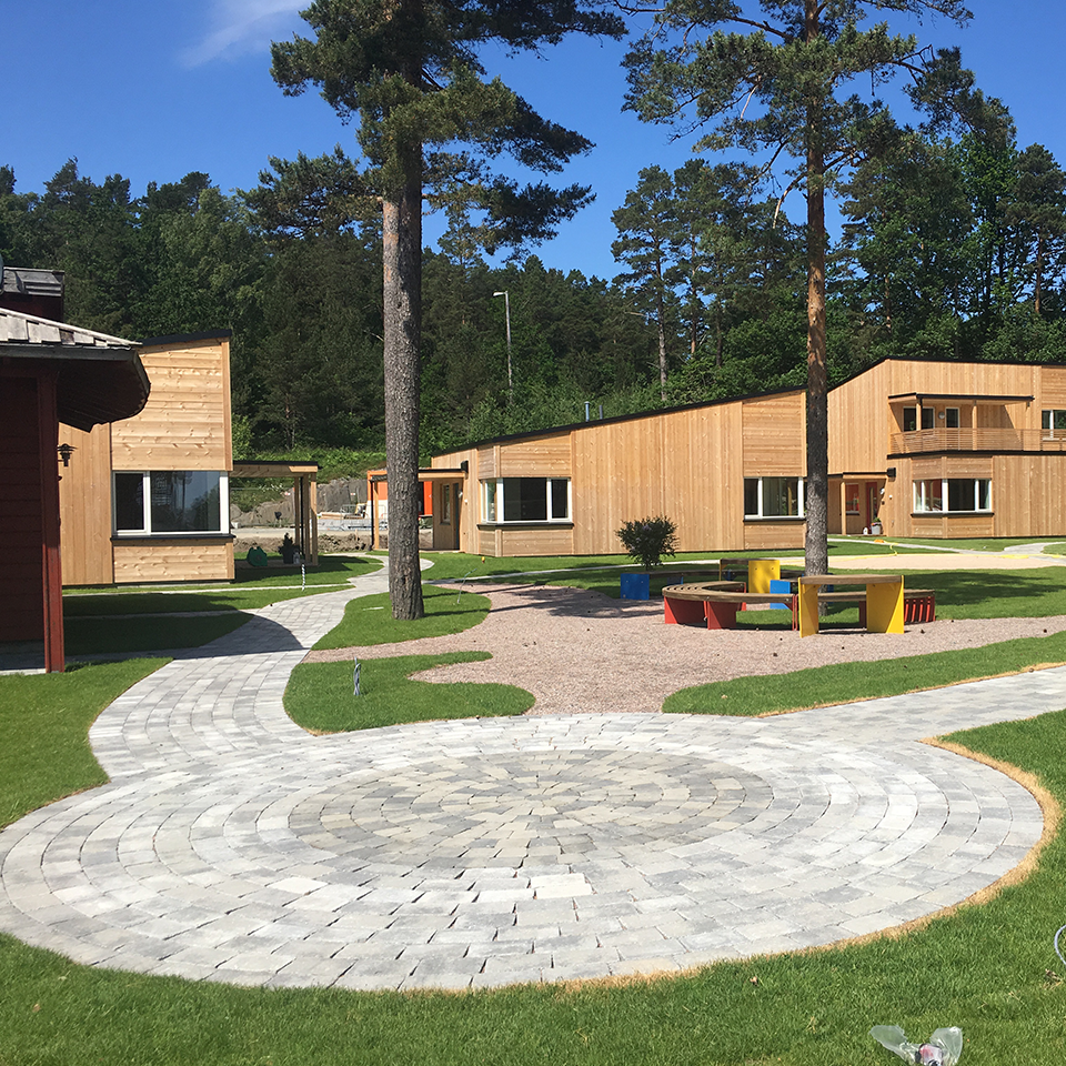 Campus exterior, courtyard, and picnic area of Ronald McDonald Family Cabins, Norway